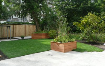 Weelderig bloeiende plantenbakken (1)